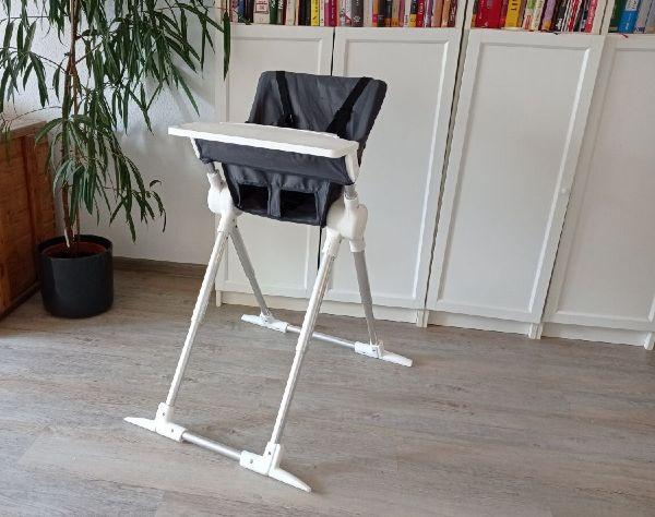 Ejemplo de una silla alta para bebés de viaje